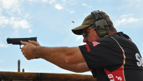 rob-leatham-shooting-xdm-5-251-15.jpg