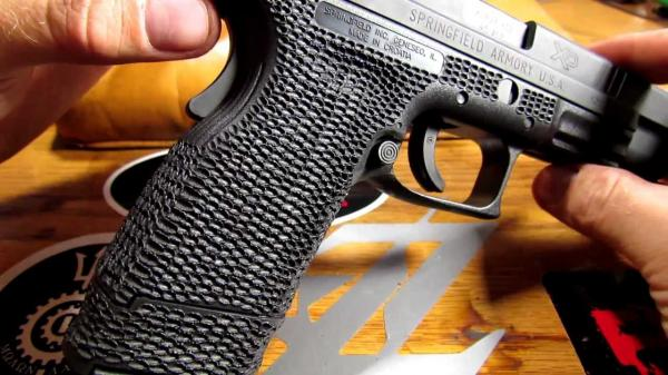 xd-stipple-be-sure-to-watch-for-that-rear-grip-safety-84.jpg